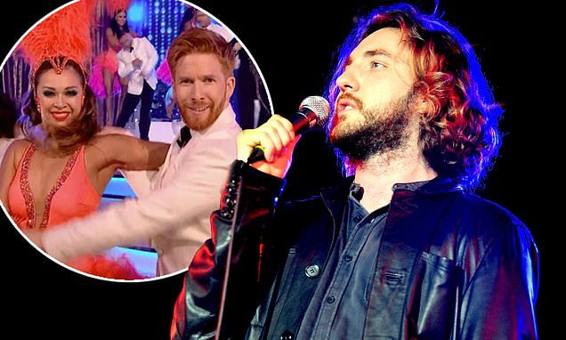 Strictly's Seann Walsh 'jokes Neil Jones is gay' at stand-up show