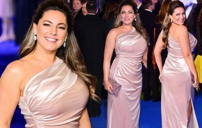 Mary Poppins Returns: Kelly Brook displays her voluptuous curves