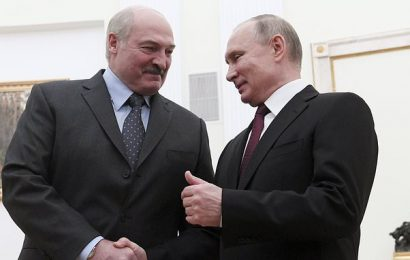 Fears Russia trying to swallow up Belarus