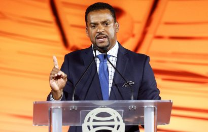 Alfonso Ribeiro Sues 'Fortnite' for Using His Signature 'Carlton Dance'