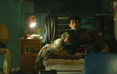 Here's How To Watch All The Endings To Netflix's 'Black Mirror: Bandersnatch'