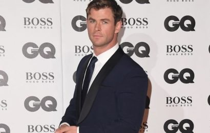 Sexy Chris Hemsworth Shares Workout Secrets To Attain Physique For 'Men In Black' Movie