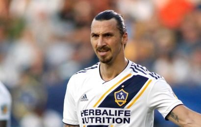 Zlatan Ibrahimovic snubs AC Milan return to stay at LA Galaxy for another year