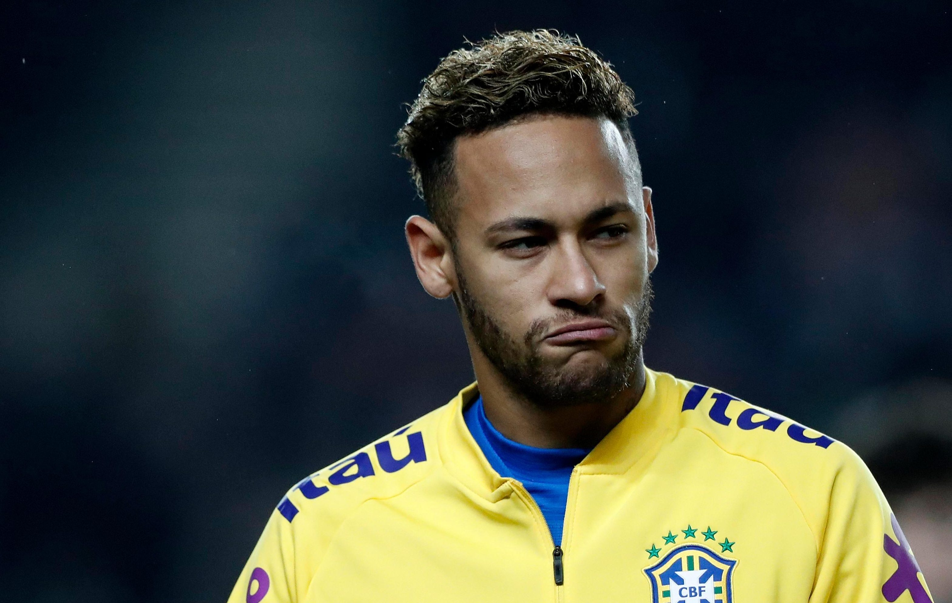 12pm Manchester United news: Neymar transfer, Antonio Valencia to West Ham, Fellaini hair pull