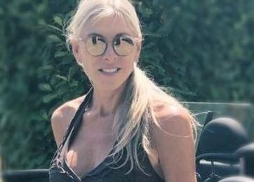 Olympic swimming star Sharron Davies, 56, 'looking for love on Tinder and cuts 11 years off her age'