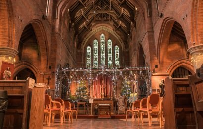 What is midnight mass, why do people go to church on Christmas Eve and where are the most famous services held?