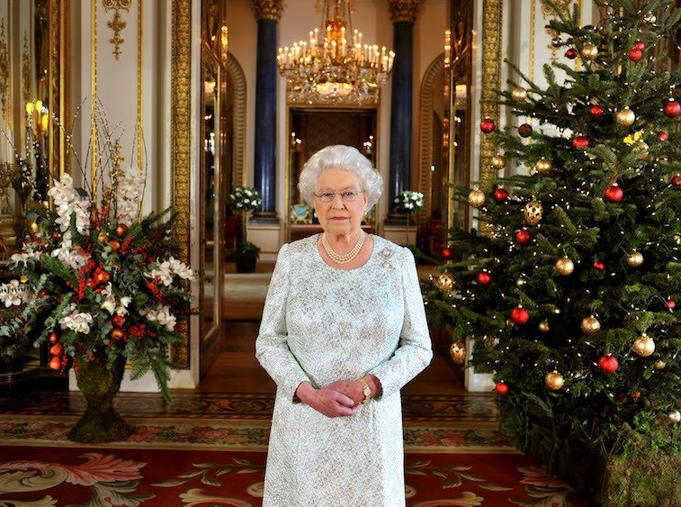How Does Queen Elizabeth Celebrate Christmas? Holiday Traditions Her Majesty Always Follows – The Cheat Sheet