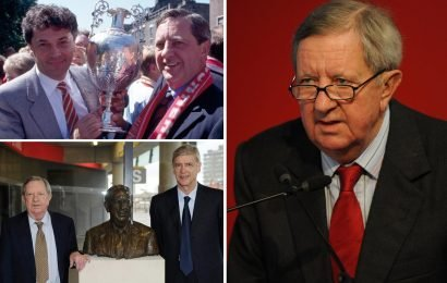 Peter Hill-Wood, Arsenal chairman for 31 years who oversaw Invincibles, dies