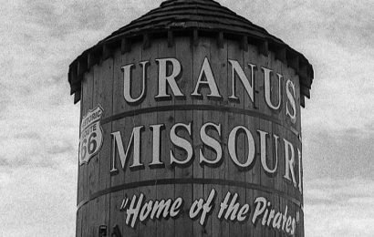 Missouri Newspaper 'Uranus Examiner' Shut Down Because Retailers, Advertisers Wanted Nothing To Do With It