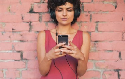 The Best Health & Wellness Podcasts To Listen To In 2019 For A Fresh Perspective On Life