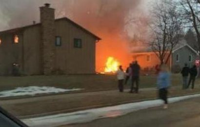Sioux Falls plane crash – At least one dead as aircraft crashes into housing estate in South Dakota on Christmas evening