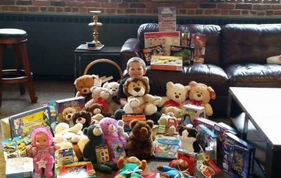 8-Year-Old with 'Heart of Gold' Holds Third Toy Drive for Children Hospitalized Over Holidays