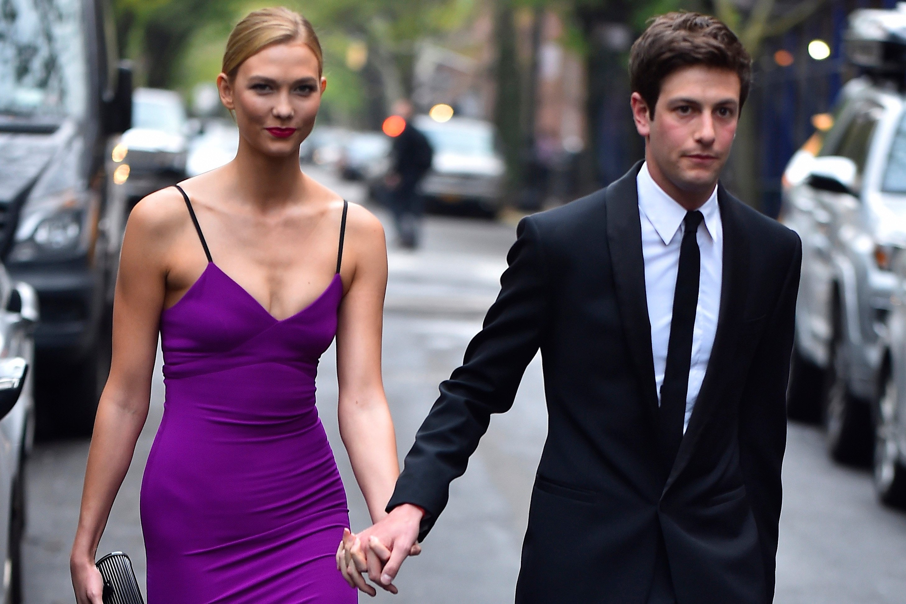 Karlie Kloss 'clearly knows her stuff' after converting to Judaism