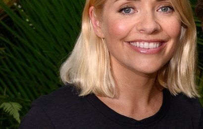 I'm A Celebrity's Holly Willoughby thanks viewers with rare family snap