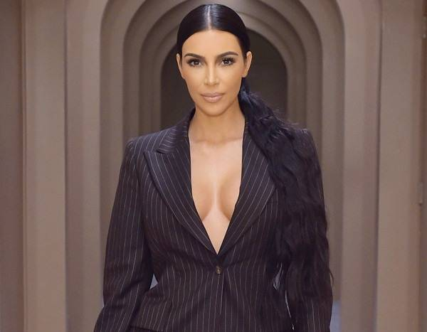Kim Kardashian Reveals Why the Family Christmas Card Tradition Is Over