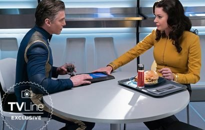 Star Trek: Discovery: Are Captain Pike and Number One More Than Just Shipmates? (2019 FIRST LOOK)