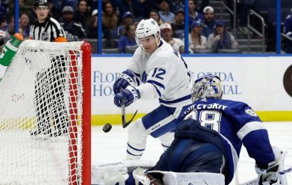 Lightning's Andrei Vasilevskiy makes save of year candidate in return from 14-game absence