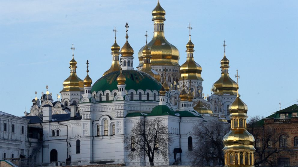 Ukraine: Leader pledges church choice for Orthodox faithful