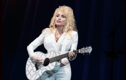 Dolly Parton Mourning The Loss Of Her Brother
