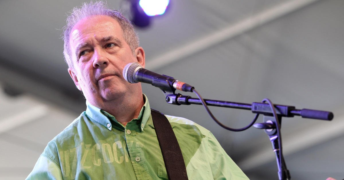 Pete Shelley, lead singer of punk rock band Buzzcocks, dead at 63