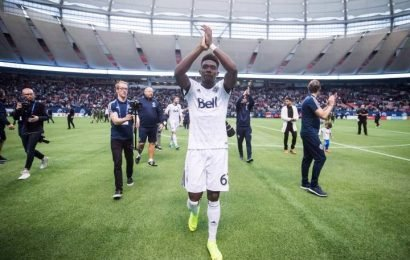 Alphonso Davies becomes youngest person to win Canadian Men's Soccer Player for the Year Award