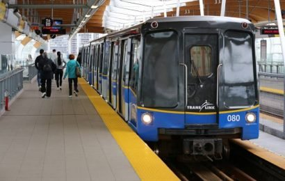 TransLink to offer free Wi-Fi to transit users starting in 2020