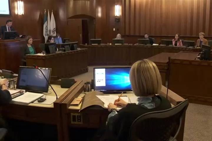 Vancouver council approves motion to protect tenants from renovictions