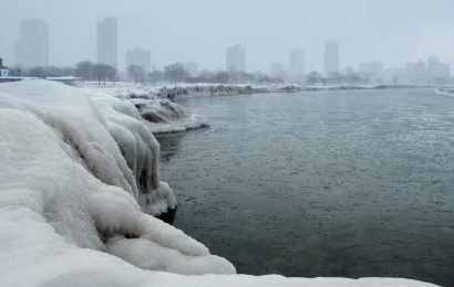 Polar vortex freezes US with snow and dangerously cold air