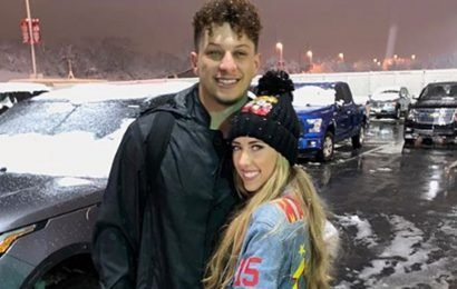 Patrick Mahomes celebrates first playoff win with girlfriend