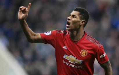Manchester United's winning run continues, but Chelsea draw