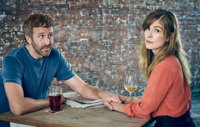 'State of the Union' Review: Rosamund Pike and Chris O'Dowd Make the Most of Marriage Counseling — Sundance