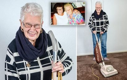 Woman's 54-year-old Hoover still works today