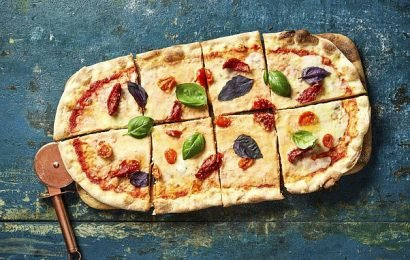 Zizzi chases vegan pound with dairy-free four 'cheese' pizza