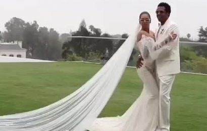 Beyoncé shares first photo of $10K white wedding gown from vow renewal