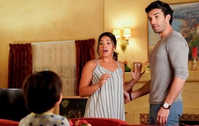 """Surprise! Gina Rodriguez Announces Jane the Virgin Is """"Birthing"""" a Spinoff"""