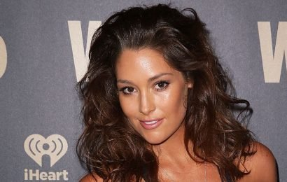 Australian Model Erin McNaught Dances In Her Underwear In Raunchy Instagram Video