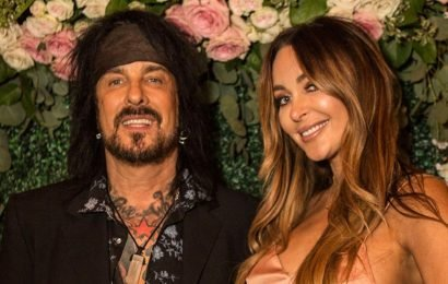 Dad At 60! Mötley Crüe Rocker Nikki Sixx's Wife Courtney Pregnant