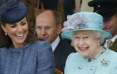 Queen Elizabeth Has Never Had A Driver's License But Can Still Drive Freely