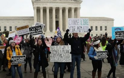Trump Stands In Support Of March For Life Participants
