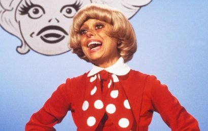 Carol Channing, Star of Broadway's 'Hello, Dolly!' and 'Gentlemen Prefer Blondes,' Dies at 97
