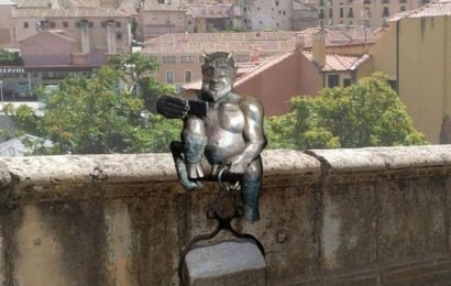 Spanish city protests against sculpture of smiling Satan taking a SELFIE