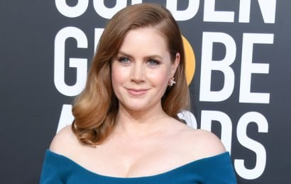 Amy Adams Kept Her Old Hollywood-InspiredFashion Streak Alive at the 2019 Golden Globes