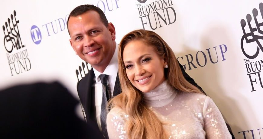 Jennifer Lopez & Alex Rodriguez Kick Off 2019 With A Trip To The Gym