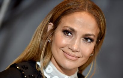 Jennifer Lopez Looks Fresh-Faced & Flawless In Makeup-Free Selfie — See New Pic