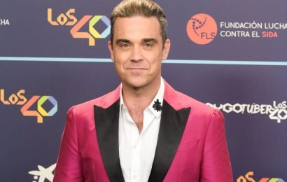 Robbie Williams kicks off New Year's goals with Weight Watchers