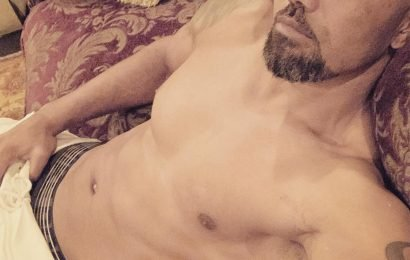 Criminal Minds Alum Shemar Moore Shares Shirtless '2019 Chill Mode Selfie for My Baby Girls'
