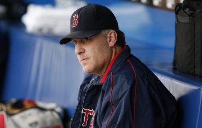 Curt Schilling 'deserves to be in the Baseball Hall of Fame,' Trump tweets