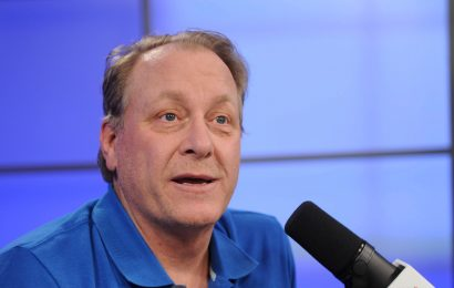 President Donald Trump says Curt Schilling 'deserves to be in Baseball Hall of Fame'