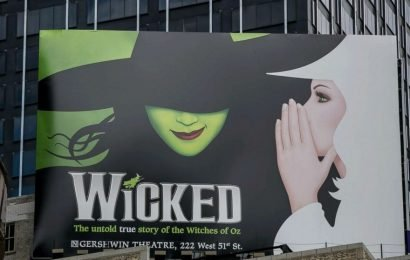 Brittney Johnson makes history as 1st black woman to play Glinda in 'Wicked'