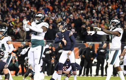 Bears' Hopes of Beating Eagles End With a Thunk-Thunk-Thud